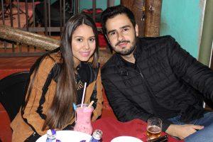 Douglas Santos e a namorada Patrícia Ribeiro