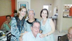 Maude Completa 74 anos, dia 15 de julho, a professora Maude Aparecida Betti Pinto. Ela recebe os parabéns do esposo Álvaro Antônio Pinto, das filhas Adriana e Giovana, dos genros, familiares e amigos