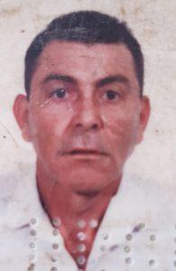 LAZÁRO DE SOUZA Faleceu dia 25 de julho, aos 72 anos, o aposentado Lázaro de Souza. Ele deixa o filho Rogério de Souza. Filho de Messias Antônio de Souza e Maria Conceição de Jesus de Souza (ambos falecidos), são seus irmãos Maria Alcina (in memoriam), Ana Maria Aparecida e Júlia.