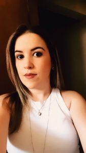"""""""O contato entre  paciente e médico é onde se estabelece a confiança e calor humano, entendo que por teleconsulta essa essência e confiança acabam se perdendo, pois não há contato direto com o paciente. É um método interessante a ser analisado e alinhado com essa questão do  vínculo das pessoas"""".  Fabiana Tomaim Pereira, 33 anos, nutricionista"""