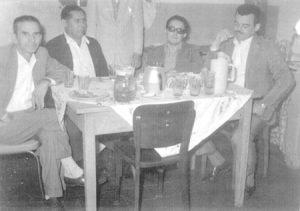 Foto de 5 de maio de 1965, do primeiro aniversário de Ieda Maria Lima Gomes, que é fisioterapeuta. Ela é filha do Tabelião Rubens Correia Gomes (in memoriam) e da professora Annete Lima Gomes. (1) o avô da aniversariante, o agropecuarista Geraldino Barbosa Lima, (2) Antônio Galdiano, que era funcionário dos Correios, (3) e (4) Eri Rodrigues Aveiro e Fábio Diniz Lacerda, que eram funcionários do Banco do Brasil