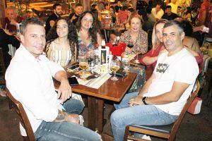 Ricardo Barrachi/Andréa e a filha Lara, Guilherme Salgado, com a esposa Fabiana Salgado e a mãe Maria Aparecida Salgado