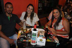 Douglas Leão, a namorada Maria Eduarda Nassif e Pâmela Alves