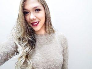"""""""Gostaria de desejar muita saúde, paz, amor, harmonia, prosperidade e felicidade para minha família"""". Dayana Campos Salles Lamoglia, 20 anos"""