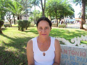 """""""Com certeza a falta de emprego é o maior fator que gera inadimplência no país atualmente. No meu caso, por exemplo, atualmente estou desempregada, e não vou fazer contas ou gastar além do meu limite, pois sei que não vou conseguir pagar e, desta forma não ficarei inadimplente"""".  Nilva Luzia Ribeiro, 46 anos, dona de casa"""