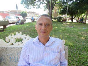 """""""Acredito que a falta de controle sobre as contas e a crise atual do  Brasil, são os maiores fatores da inadimplência. Em meu caso, só compro o que é prioridade, nada mais ou menos, só o necessário, isso garante minha estabilidade econômica"""". Renato Munduruca, 47 anos, advogado"""