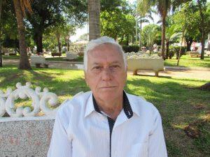 """""""A inadimplência é um problema que afeta milhões de brasileiros. Falta consciência para pensar no que se pode ou não gastar, assim sendo, haveria menos dividas e menos crises. É preciso haver controle, acima de tudo, para o bem de todos"""". Valdir Alves dos Reis, 72 anos, aposentado"""