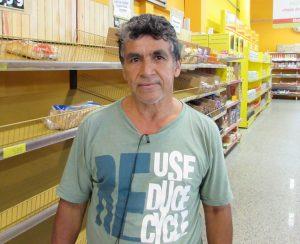 """""""Às vezes observo os valores dos impostos embutidos nas mercadorias, que poderiam ser um pouco menores, um valor que fosse bom tanto para o consumidor quanto para o governo. Geralmente, o produto não é tão caro, mas por causa dos impostos acaba subindo o preço"""". Luiz Carlos Pedroso, 61 anos, aposentado"""
