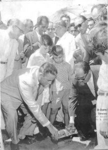 Foto de 1958, do lançamento da pedra fundamental do Fórum de Ituverava, que foi construído onde hoje é a Delegacia do Município. (1) o prefeito João Athayde de Souza, (2) o juiz de Direito, Dr. Amintas Machado de Azevedo, (3) o advogado Francisco Basileu Barbosa, os vereadores (4) Adhemar Cassiano, (5) José Antônio Salgado, (6) Nestor Alves Ferreira,  (7) o secretário da Prefeitura, Moacyr França