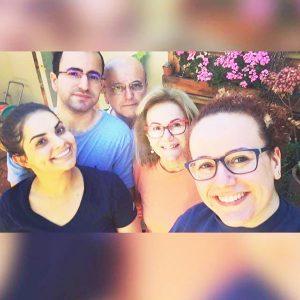 """""""O melhor presente de Natal é a presença da família"""". Maria Helena Ferreira Mariano Corrêa, Amanda (nora), Anderson (filho), Anderson (esposo) e Flávia (filha)"""