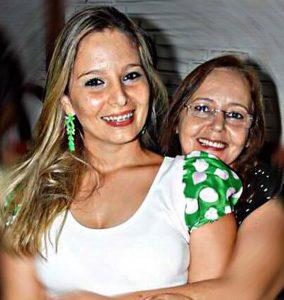 """Mãe: Marlene Foroni Belizario Filha: Roberta Foroni de Freitas  """"Mãe, quando não te vejo, te busco dentro de mim... Te amo"""""""