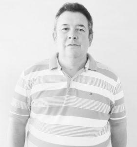 """Marcos  Comemora aniversário dia 16 de novembro, Marcos Antônio dos Santos Siqueira (""""Quarenta e Nove""""). Ele recebe os parabéns irmãos Marcelo, Márcio, Márcia e Marcela, dos amigos e familiares"""