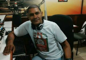 Azor de Faria Comemorou aniversário, dia 22 de novembro, o radialista Azor de Faria. Ele recebe os parabéns dos familiares e amigos