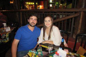 Carlos Bettini Filho e namorada Maria Laura Oliveira