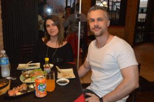 Kayk Oliveira e a namorada Thaís Rubi
