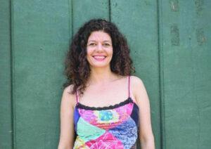 """Gilda Nomace Comemora aniversário, dia 1º de agosto, a atriz ituveravense Gilda Nogueira Macedo, conhecida artisticamente como Gilda Nomace, casada com Rodrigo Ramos Roviralta. Ela é filha de Élcio de Freitas Macedo (in memoriam) e Maria do Carmo Nogueira (""""Tatau"""") e são seus irmãos Élcio de Freitas Macedo Filho (""""Cico"""") e Maria Eugênia Nogueira Macedo (""""Marô"""")"""