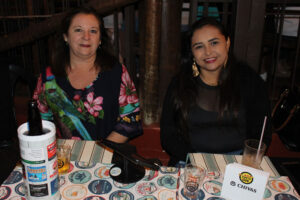 Fátima Regina Fontebassia e a gerente da Eletrozema, Antônia Lima