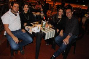 Alexandre Barbosa Sousa e a namorada Francine Faria, Vagner Florêncio Belarmino/Flaviane Faria