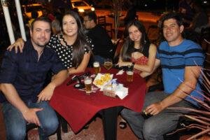 Rodolfo Freitas e a namorada Veridiane Passatuto, Solimar Pereira e a namorada Lívia Duarte