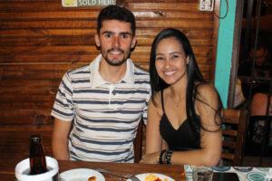 Rodrigo Malaquias e a  namorada Keila Morais
