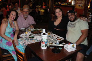 José Carlos Sgobbi/Cristina Barbosa, Lucas Santos e a namorada Bruna Barbosa