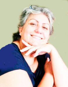 Maria Alice Comemora aniversário, dia 22 de março, Maria Alice Abrahão de Oliveira Martins, casada com Adelino de Jesus Martins (in memoriam). Ela recebe os parabéns das filhas Aline, Alice e Daniela, dos netos Luiz e Pedro, dos genros, familiares e amigos