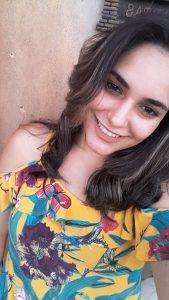 """""""O Brasil apresenta hoje um alto índice de criminalidade  devido a crimes cometidos por jovens e adolescentes, pois eles saem ilesos dos crimes de homicídio, roubo e outros delitos, por não haver uma lei para puni-los, por todos esses motivo sou a favor da redução. Acho também que deveria mudar muitas outras leis no país, não só a redução da maioridade penal, por que ninguém tem o direito de tirar a vida de outro ser humano e ficar impune"""".  Luzia Gabriela Iza de Paula dos Santos, 22 anos, assistente de telemarketing"""