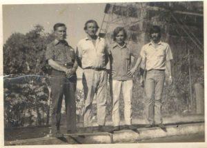 Foto de  1972,  na Lufer Óleos e Adubos, que produzia óleo de mamona na cidade.  A empresa funcionava no Alto da Estação, onde é hoje o comando do Batalhão da Polícia Militar.  (1) Otaclito Barbosa, que era gerente, (2) Antônio Milano, (3) Henrique José Bordom e (4) Paulo Roberto Bernardo