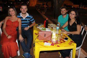 Eurípedes Alencar e a namorada Ellen Cristina, Luiz Carlos Ramos Alves e a namorada Angélica Machado
