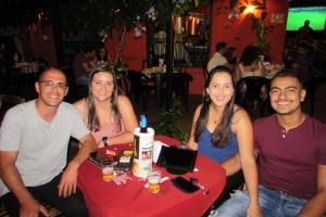 Paulo Afonso a namorada Marcela  Bertanha e Eduardo Mendes Leite/Rafaela