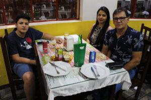 Edson Nascimento/Ana Cláudia e o filho Victor Hugo Lopes