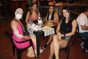 Simone Caliman, Larissa Garcia, Cássia Ireno e Mayra Souza