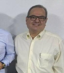 Luiz Miguel Comemora aniversário, dia 7  de agosto, o advogado e professor Luiz Miguel Ribeiro Moysés. Ele recebe os parabéns da esposa, Eloísa da Graça Morando Moysés, dos filhos Flávia e Luiz Alexandre, dos familiares e amigos
