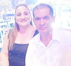 ALTINO E FABRÍCIA Dia 15 de Agosto, Altino Gomes de Sá e Fabrícia Liporone de Sá, comemoram Bodas de Palha, 23 anos de casados. Eles recebem os parabéns da filha Lara Luíza Liporone de Sá, dos familiares e amigos