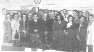 Às 16h40, do dia 17 de julho de 1946, era inaugurada em Ituverava, a agência do Banco do Estado de São Paulo (Banespa), hoje Santander. O banco funcionava onde é o prédio Salvador Cordaro Cruz. Algumas pessoas que foram reconhecidas na foto: (1) Dr. José Aníbal Soares de Oliveira, (2) Marcionílio Trajano Borges, (3) Moacyr França