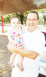"""AFonso (""""Didi"""") Comemora aniversário, dia 3 de abril, Afonso Martins Neto (""""Didi""""). Ele recebe os parabéns da mãe Theresinha Margarida Pinto Martins, dos tios, dos irmãos, dos sobrinhos, dos familiares e amigos"""