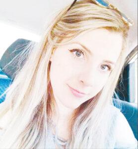 Gabriela Dia 3 de abril, comemora aniversário, a jovem Gabriela Carolina Cazaroti. Ela recebe os parabéns os pais Célio Rogério Cazaroti e Glória Regina de Andrade, do irmão Guilherme Henrique, dos familiares e amigos