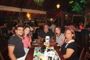 Willian Alexandre Guitarrari Pereira Barbosa com a namorada Mariana Bahu, Guilherme Alexandre Pereira Barbosa/ Angélica e Maria Helena Guitarrari