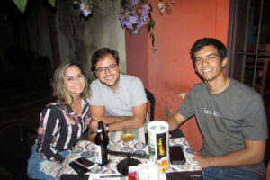 Thiago Chicote e a namorada  Letícia Rocha e Alexandre Gontijo
