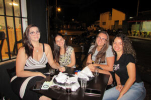 Juliana Trindade, Hellen Aguiar, Gabriela Serrazes e Lauany Marques