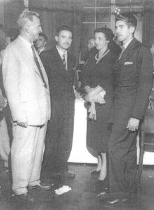 """Foto de ano 1958, na cidade de São Paulo. (1), (2)  e (4) os irmãos, o agropecuarista Manoel Inácio Barbosa (""""Nhozinho), o médico Bendito Inácio Barbosa, que era Coronel das Forças Armadas, e que também foi vereador em Ituverava e  (4) Ary Barbosa, agropecuarista, que foi vice-prefeito e presidente da Câmara de Ituverava e (3) Iolanda Faria Lima, esposa do Brigadeiro Faria Lima, que foi considerado um dos melhores prefeitos de são Paulo."""