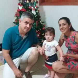 LUCAS Comemorou aniversário, dia 7 de julho, Lucas Oliveira Carvalho. Ele recebe os parabéns da esposa Lidiane Esbrolia de Almeida Carvalho e da filha Maria Clara Carvalho dos familiares e amigos.
