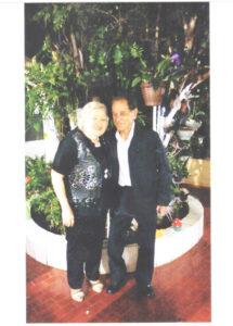 DORIVAL E MARIA JOSÉ  Dia 27 de julho, comemoram 52 anos de casados, Bodas de Argila, os professores Dorival da Silva Pereira e Maria José Barbosa Pereira. Eles recebem os parabéns os filhos Luciane Aparecida da Silva Pereira, que é dentista e Luciano Emanuel da Silva Pereira, agrônomo, da sua noiva Marli Machado e da afilhada Mônica Machado.  O professor Dorival da Silva Pereira foi o primeiro-secretário da Fundação Educacional de Ituverava e um dos maçons mais antigos da cidade
