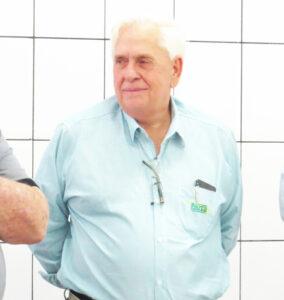"""Luiz Carlos Rodrigues """"(Busa"""") Comemora aniversário, dia 15 de setembro, o empresário  e presidente do Conselho de Administração da Santa Casa de Ituverava, Luiz Carlos Rodrigues """"(Busa""""). Além de sua reconhecida competência profissional, é um cidadão extremamente altruísta e sempre focado no desenvolvimento da cidade.  Busa recebe os parabéns dos filhos Andreza Suely Rodrigues Rubira, casada com Maurício José Rubira; Suely Aparecida Rodrigues Abissamra, casada com Mário Eduardo Abissamra e Luiz Carlos Rodrigues Júnior, e dos netos Maria Júlia, Luiz Felipe, João Paulo, Maria Eduarda, Téo e Bela, dos familiares e amigos."""