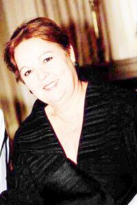 """MARIA DAS DORES (""""DODÔ"""")   Comemora aniversário, dia 14 de agosto, Maria das Dores Alves Faerreira Azevedo (""""Dodô""""). Ela recebe os parabéns do esposo Carlos Alberto Inácio Azevedo, das filhas Vanessa e Natália, dos familiares e amigos"""
