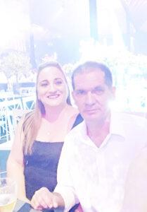 ALTINO E FABRÍCIA Dia 15 de Agosto, Altino Gomes de Sá e Fabrícia Liporone de Sá, comemoram Bodas de Opala, 24 anos de casados. Eles recebem os parabéns da filha Lara Luíza Liporone de Sá, dos familiares e amigos