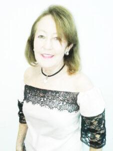 DARCY Comemora aniversário, dia 21 de setembro, a funcionária pública municipal aposentada, Darcy Delefrate. Ela recebe os parabéns dos  familiares e amigos