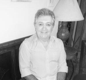 """EDSON Comemora 67 anos, dia 15 de outubro, Edson José Beicker (""""Edinho  Beicker""""), casado com Maria Clara Sampaio Beicker. Ele recebe os parabéns da esposa, do filho Wilker Edson Leite Beicker, da nora Viviane Ribeiro Sandoval Beicker, dos netos Enzo Sandoval Beicker e Rafael Sandoval Beicker, dos familiares e amigos"""